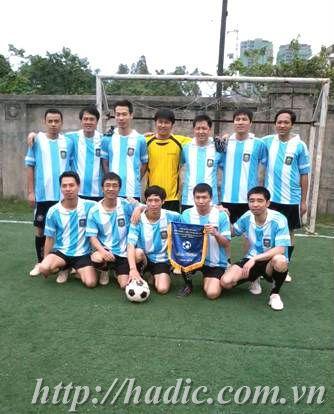giai-bong-da-mini-buu-chinh-vien-thong-ha-noi-2012
