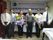 hadic - dai hoi co dong 2011 - CT HDQT tang hoa UV HDQT & BKS moi trung cu.JPG